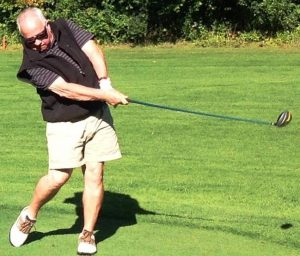 Clete Williams playing golf after hip replacement surgery by Dr. Robert Zehr