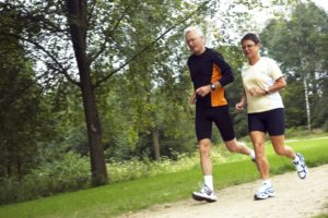 Couple running on trail may benefit from glucosamine and chondroitin sulfate